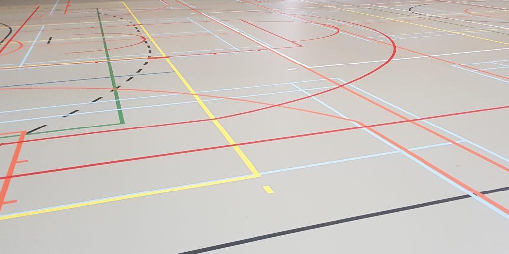 Gloednieuwe vloer Sporthal KTA1